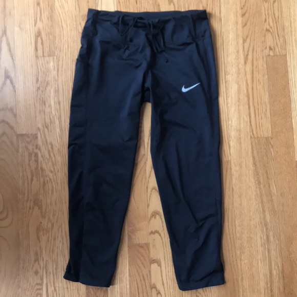 Nike Dri-Fit Crop with Side and back pocket Small